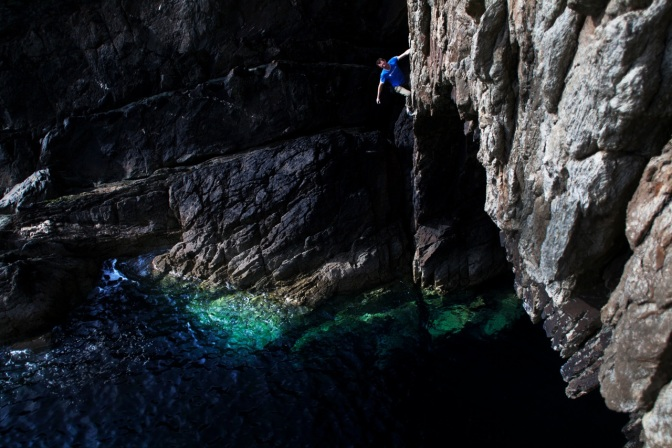 Jack Geldard soloing Electric Blue : Photo by Ian Burton