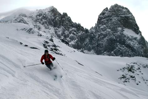 Skiing the Pas de Chevre