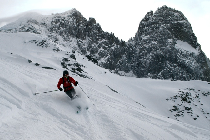 Skiing the Pas de Chevre
